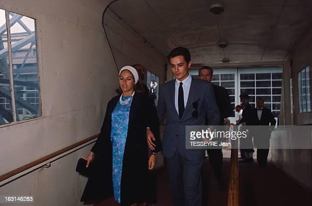 Honeymoon On The France For Alain Delon And Nathalie Alain DELON et sa femme Nathalie en voyage de noces sur le 'France' où ils ont embarqué le...