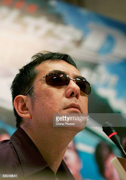 Hong Kong actor Anthony Wong speaks with students at Fudan University on June 10 2005 in Shanghai China Wong is in Shanghai to attend the 8th...