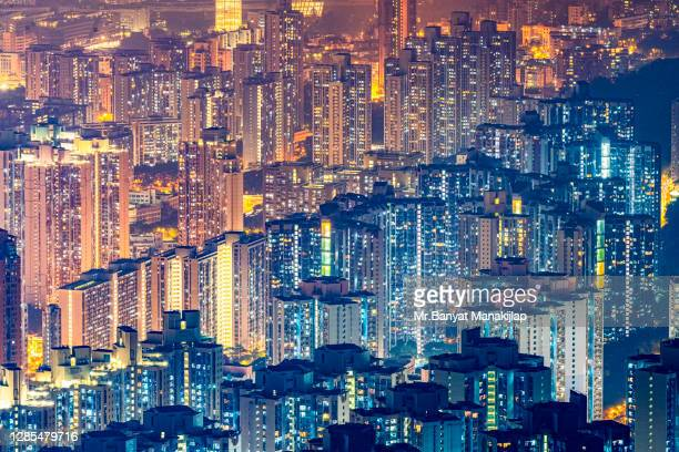 hong kong cityscape at night, kowloon peak - hong kong stock pictures, royalty-free photos & images