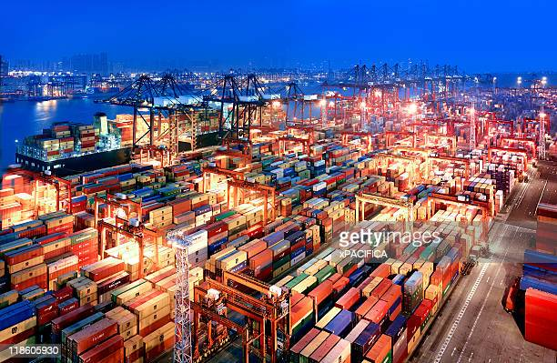 hong kong container terminal - commercial dock stock pictures, royalty-free photos & images