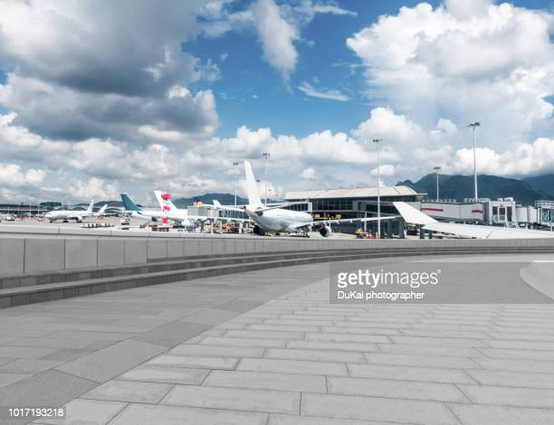 hong kong international airport - airfield stock pictures, royalty-free photos & images
