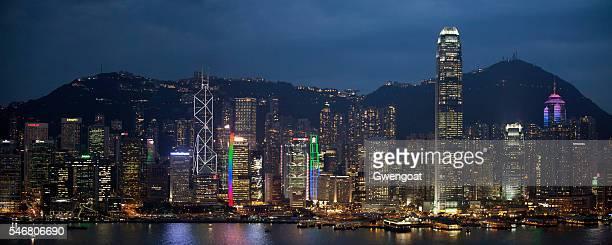 hong kong island at night - gwengoat stockfoto's en -beelden
