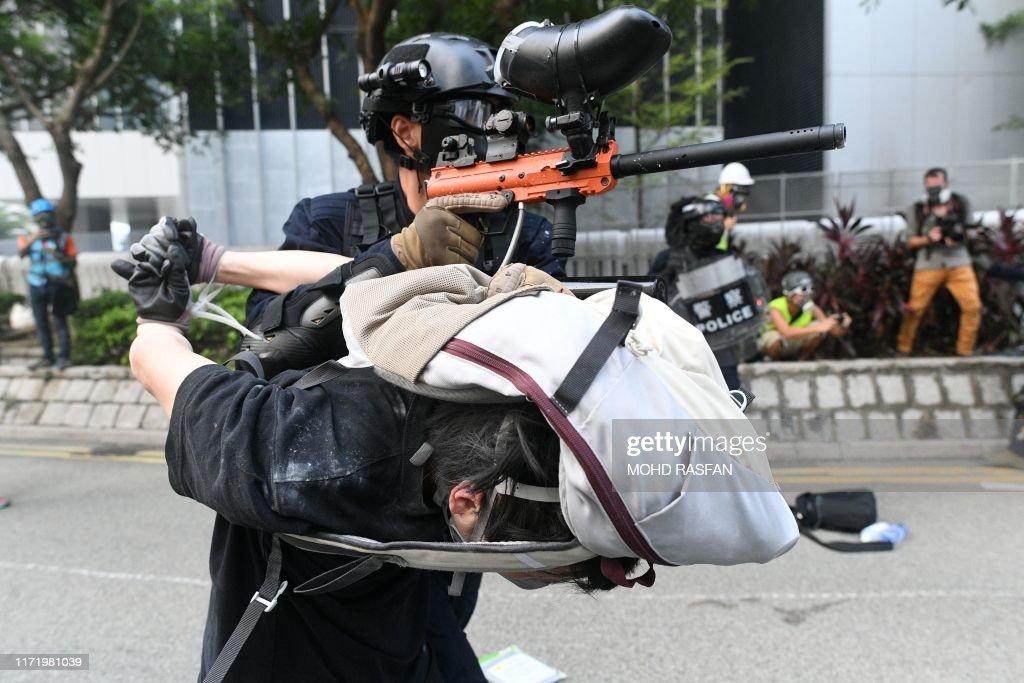 TOPSHOT-HONG KONG-CHINA-politics-unrest-CRIME : News Photo