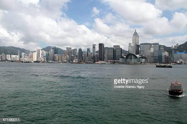 hong kong river - hitachi ltd stock pictures, royalty-free photos & images