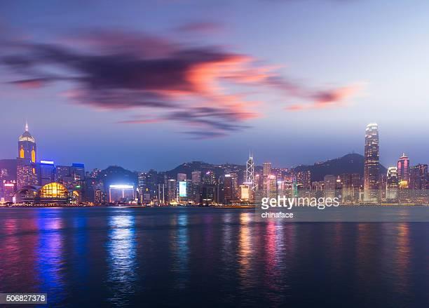 Ville de hong kong dans la nuit