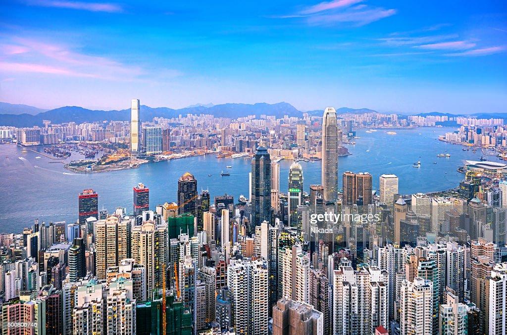 skyline di Hong Kong al crepuscolo : Foto stock