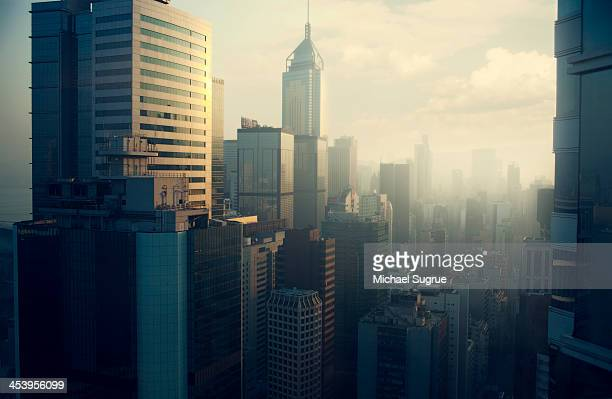 hong kong skyline - skyscraper stock pictures, royalty-free photos & images