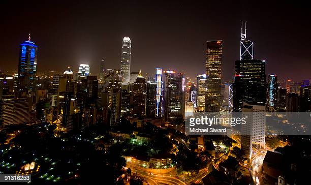 hong kong skyline wide angle - michael siward stock pictures, royalty-free photos & images