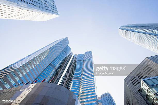 hong kong skyscrapers - two international finance center stock pictures, royalty-free photos & images