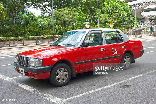 hong kong taxi - gwengoat stock pictures, royalty-free photos & images