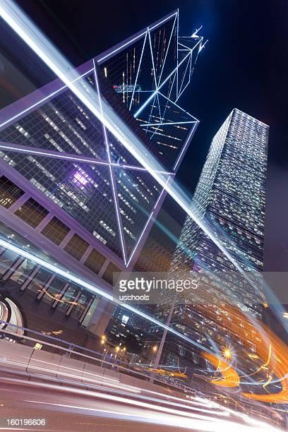 Hong Kong-Verkehr in der Abenddämmerung