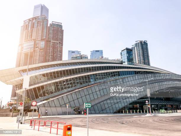 hong kong west kowloon railway station - kowloon peninsula stock pictures, royalty-free photos & images
