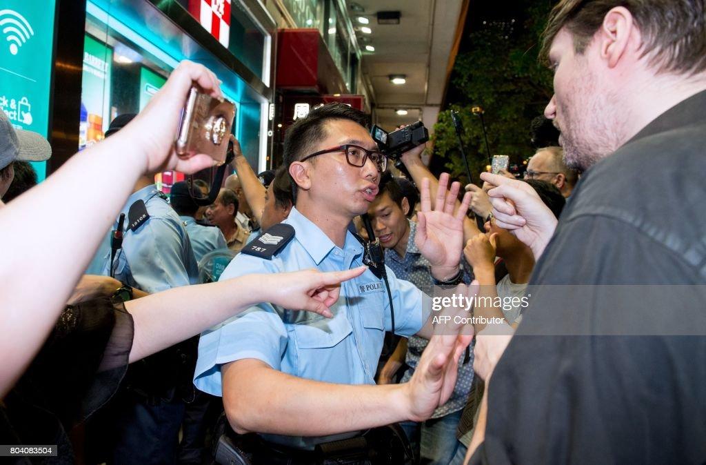 HONG-KONG-BRITAIN-CHINA-POLITICS : News Photo