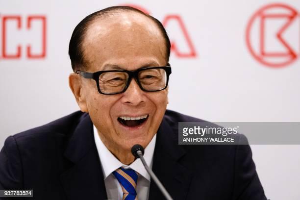 Hong Kong's richest man Li Kashing smiles during a press conference in Hong Kong on March 16 2018 Hong Kong's richest man Li Kashing announced on...