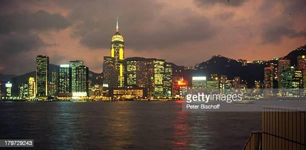 Hongkong/China, Asien, Reise, Skyline bei Nacht, Wasser, Meer, Nacht, Licht, Himmel,;