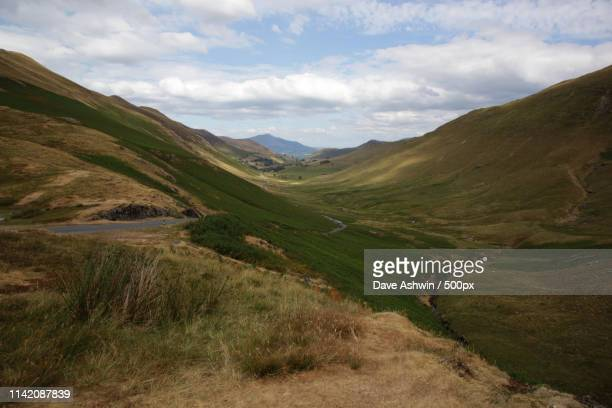 honister pass cumbria - dave ashwin stock pictures, royalty-free photos & images
