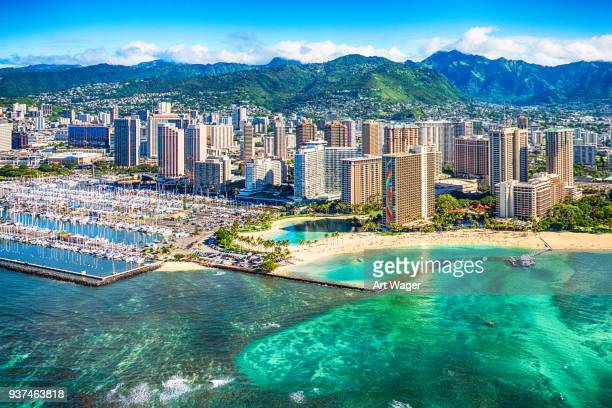 honolulu cityscape aerial - isole hawaii foto e immagini stock