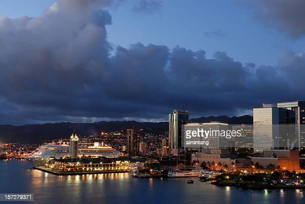 honolulu harbor - honolulu stock pictures, royalty-free photos & images