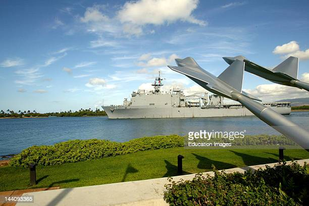 Honolulu Hawaii The Uss Rushmore Departs From Pearl Harbor The Missing Man Formation Memorial Is Shown In The Foreground