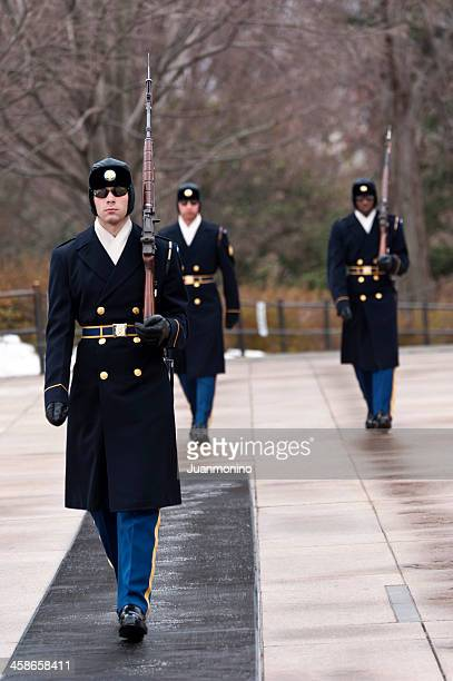 honor guard - tomb of the unknown soldier arlington stock pictures, royalty-free photos & images
