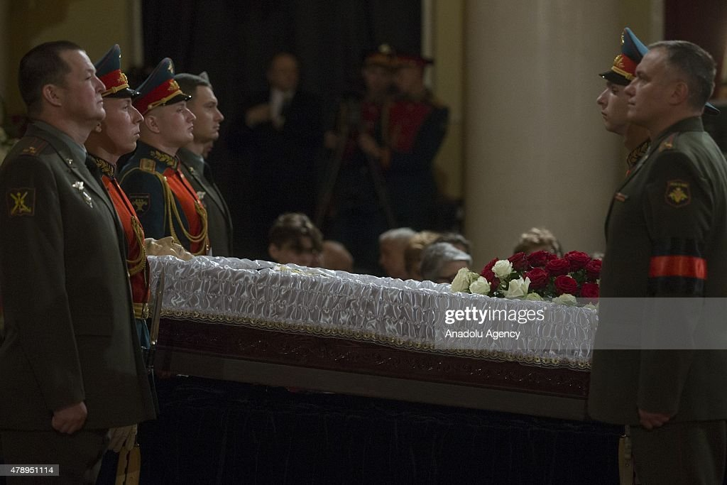 Mourning for former Russian Prime Minister Yevgeny Primakov : News Photo