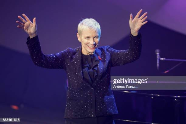 Honorary Award winner Annie Lennox performs on stage during the German Sustainability Award at Maritim Hotel on December 8, 2017 in Duesseldorf,...