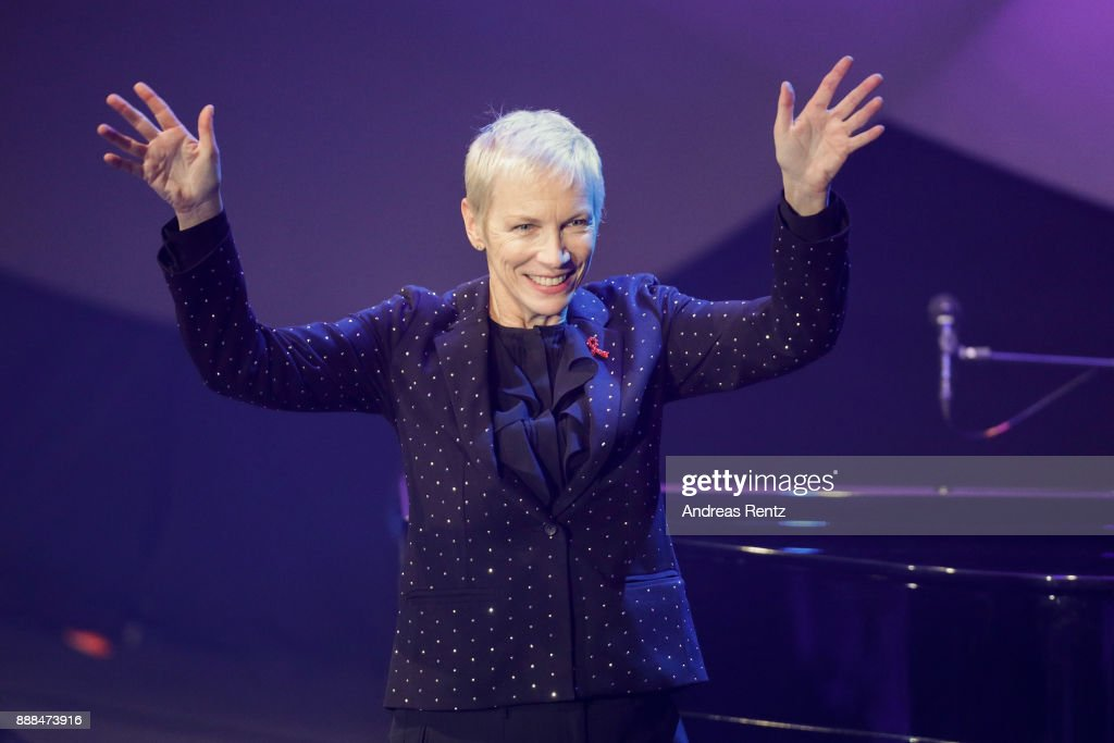 Honorary Award winner Annie Lennox performs on stage during the German Sustainability Award ( Deutscher Nachhaltigkeitspreis ) at Maritim Hotel on December 8, 2017 in Duesseldorf, Germany.