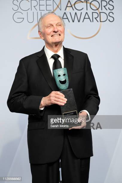 Honoree Alan Alda recipient of the SAG Life Achievement Award poses in the press room at the 25th annual Screen Actors Guild Awards at The Shrine...