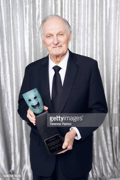 Honoree Alan Alda winner of the SAG Life Achievement Award poses in the Winner's Gallery during the 25th Annual Screen Actors Guild Awards at The...
