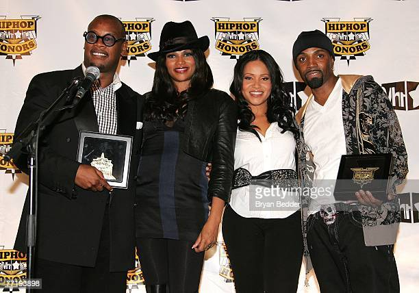 Honoree Andre Hurrell Sandy Pepa Denton Sheryl Salt James and honoree Teddy Riley pose in the press room at the 4th Annual VH1 Hip Hop Honors...