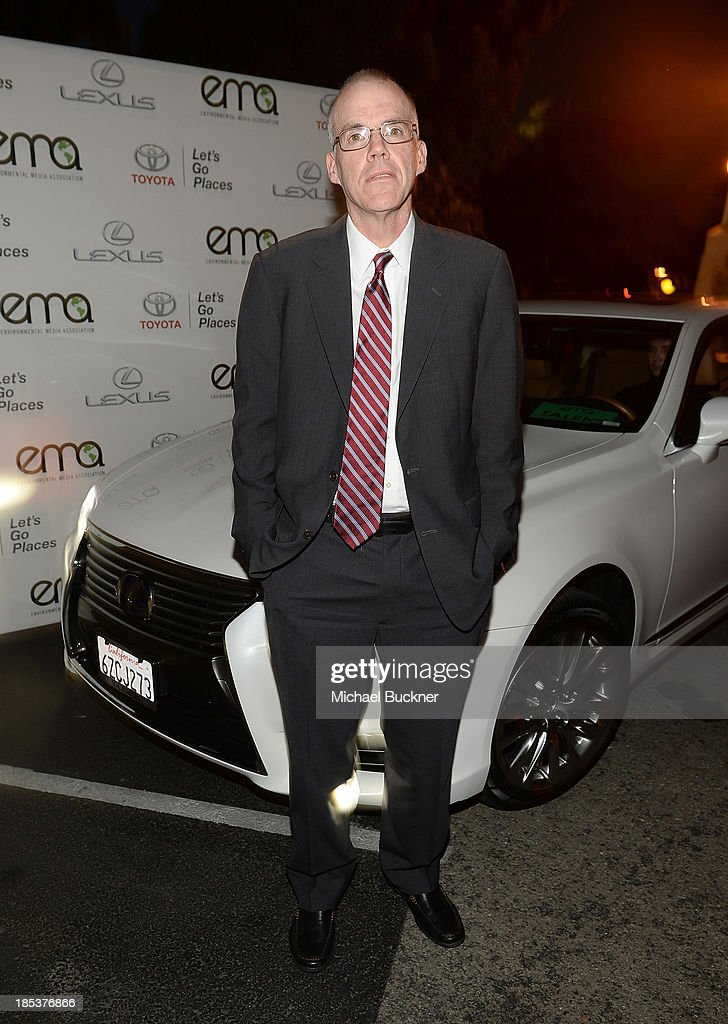 23rd Annual Environmental Media Awards Presented By Toyota And Lexus - Green Carpet : News Photo