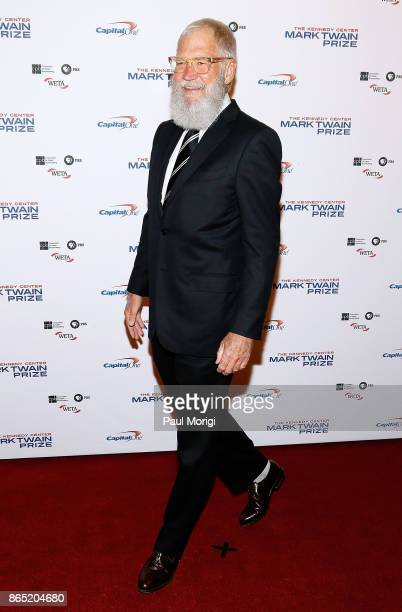 Honoree David Letterman arrives to the 2017 Mark Twain Prize for American Humor at The Kennedy Center on October 22 2017 in Washington DC