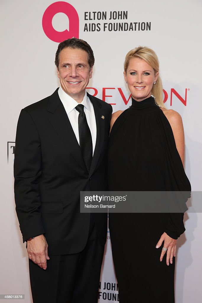 Honoree Governor Andrew Cuomo (L) and Sandra Lee attend the Elton John AIDS Foundation's 13th Annual An Enduring Vision Benefit at Cipriani Wall Street powered by CIROC Vodka on October 28, 2014 in New York City.