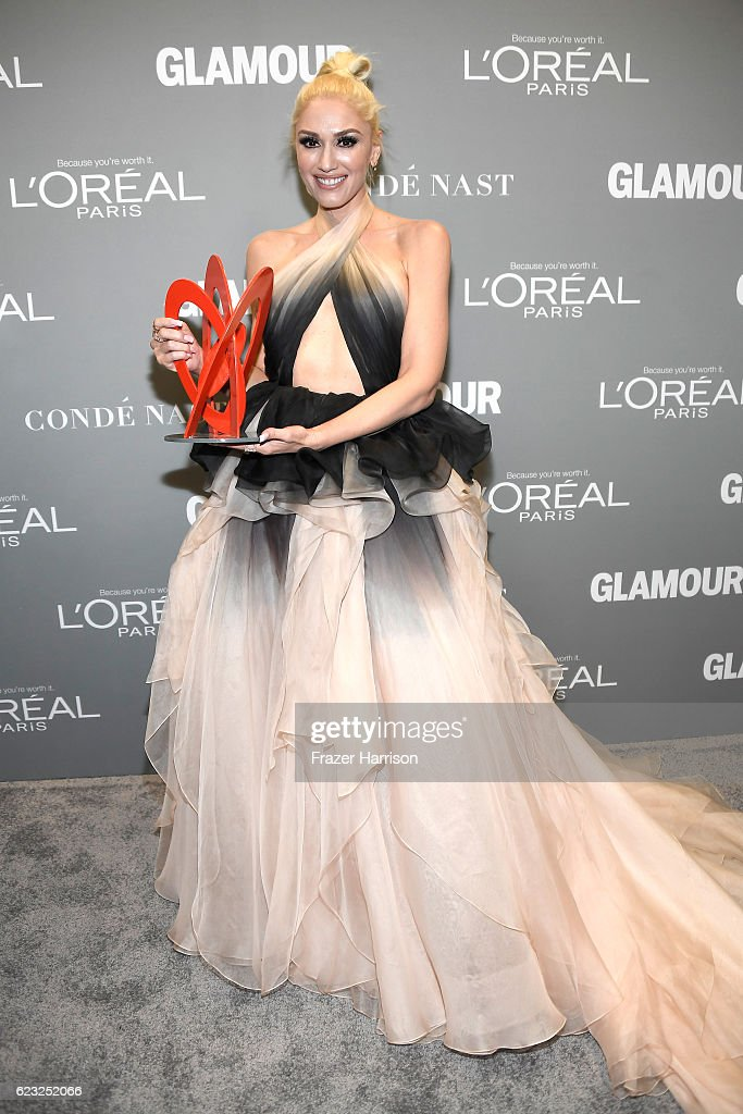 Honoree Gwen Stefani poses with an award during Glamour Women Of The Year 2016 at NeueHouse Hollywood on November 14, 2016 in Los Angeles, California.