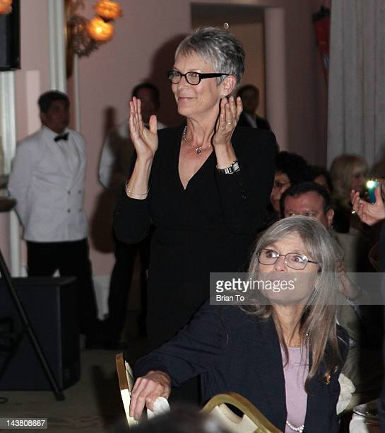 Honoree Jamie Lee Curtis and sister Kelly Lee Curtis attend 5th annual Women of Distinction luncheon at Beverly Hills Hotel on May 3 2012 in Beverly...