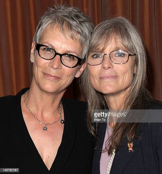 Honoree Jamie Lee Curtis and sister Kelly Lee Curtis attend the 5th annual Women of Distinction luncheon at Beverly Hills Hotel on May 3, 2012 in...