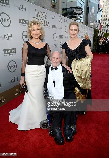 Honoree Jane Fonda writer Ron Kovic and Perriann Ferren attend the 2014 AFI Life Achievement Award A Tribute to Jane Fonda at the Dolby Theatre on...