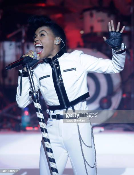 Honoree Janelle Monae performs onstage at the Variety Breakthrough of the Year Awards during the 2014 International CES at The Las Vegas Hotel Casino...