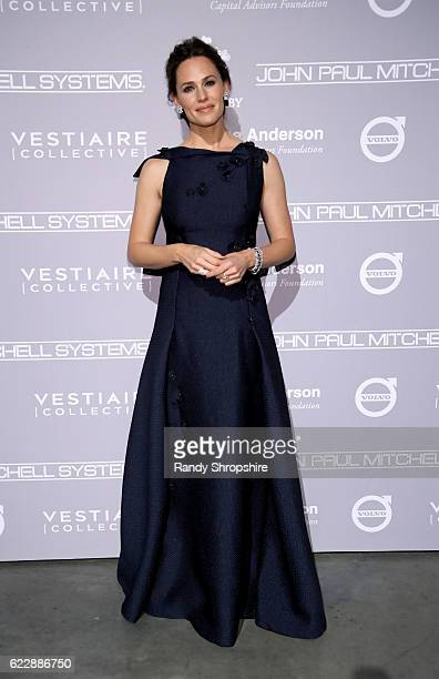 Honoree Jennifer Garner attends the Fifth Annual Baby2Baby Gala Presented By John Paul Mitchell Systems at 3LABS on November 12 2016 in Culver City...