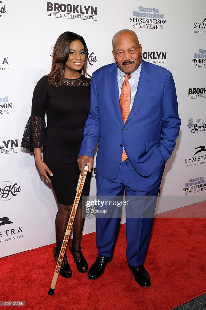 Honoree Jim Brown (R) and Monique Brown attend the 2016 Sports Illustrated Sportsperson of the Year at Barclays Center of Brooklyn on December 12, 2016 in the Brooklyn borough of New York City.