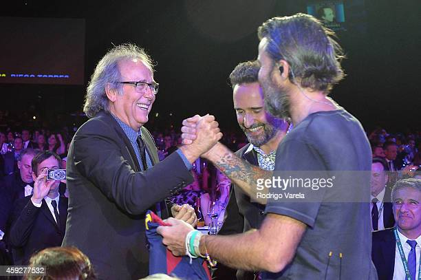 Honoree Joan Manuel Serrat recording artist Jorge Drexler and singer Pau Dones of Jarabe de Palo attend the 2014 Person of the Year honoring Joan...