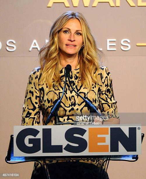 Honoree Julia Roberts accepts the GLSEN Respect Humanitarian Award onstage the 10th annual GLSEN Respect Awards at the Regent Beverly Wilshire Hotel...
