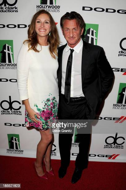 Honoree Julia Roberts poses with actor Sean Penn in the press room during the 17th Annual Hollywood Film Awards at The Beverly Hilton Hotel on...