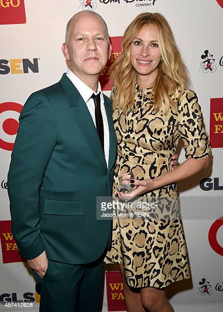 Honoree Julia Roberts poses with the GLSEN Respect Humanitarian Award with writer/director Ryan Murphy backstage during the 10th annual GLSEN Respect...