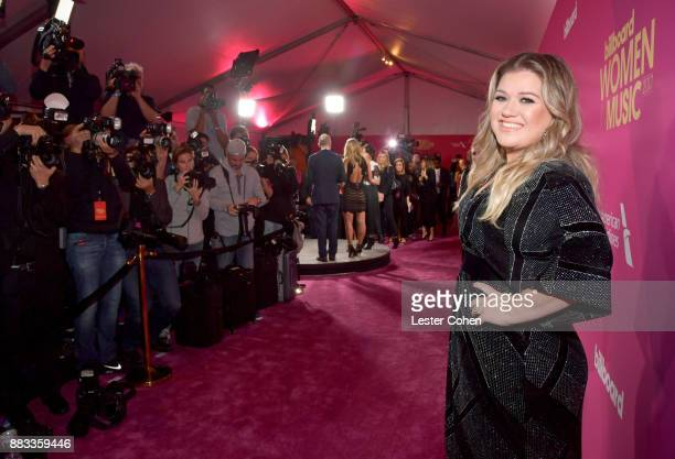 Honoree Kelly Clarkson attends Billboard Women In Music 2017 at The Ray Dolby Ballroom at Hollywood Highland Center on November 30 2017 in Hollywood...