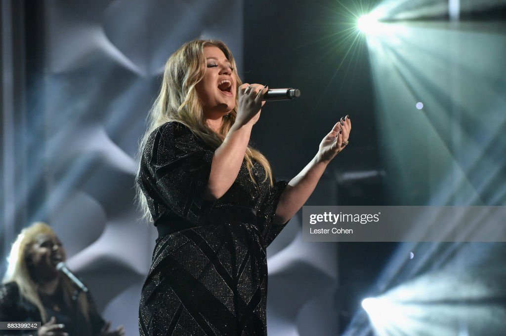 Honoree Kelly Clarkson performs onstage at Billboard Women In Music 2017 at The Ray Dolby Ballroom at Hollywood & Highland Center on November 30, 2017 in Hollywood, California.