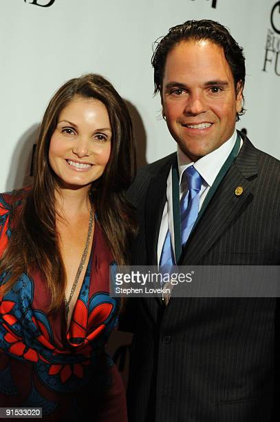 Honoree Mike Piazza and wife Alicia Rickter attend The 24th Annual Great Sports Legends Dinner benefiting The Buoniconti Fund to Cure Paralysis at...