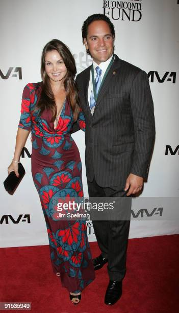 Honoree Mike Piazza and wife Alicia Rickter attend the 24th Annual Great Sports Legends Dinner at The Waldorf=Astoria on October 6 2009 in New York...