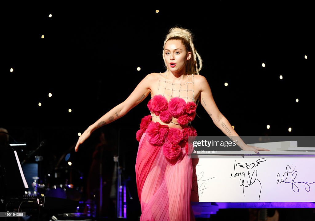 Honoree Miley Cyrus accepts Vanguard Award at the Los Angeles LGBT Center 46th Anniversary Gala Vanguard Awards at the Hyatt Regency Century Plaza on November 7, 2015 in Century City, California.