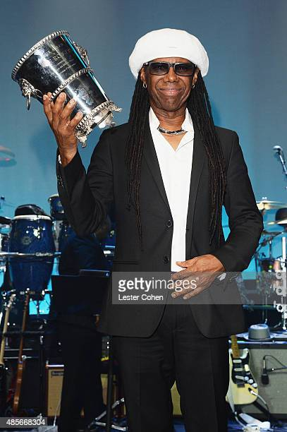 Honoree Nile Rodgers poses with the 2015 BMI Icon Award onstage during the 2015 BMI RB/HipHop Awards at Saban Theatre on August 28 2015 in Beverly...